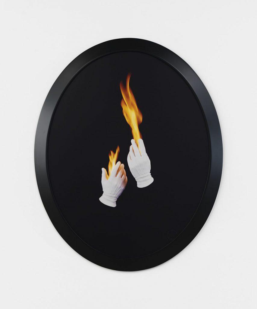 Sarah Charlesworth, Trial by fire, 1992 - 1993 FNAC 96085,Centre national des arts plastiques © droits réservés/ CNAP / Courtesy photo Galerie Philippe Rizzo